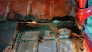 Restauración pintura Mehari Charleston granate