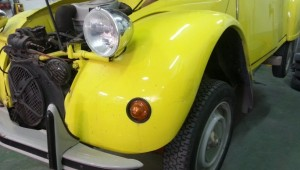 2CV amarillo cambio color