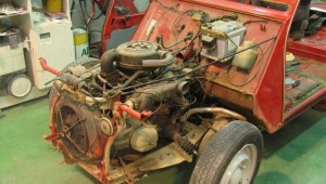 2CV rojo de luxe restauración